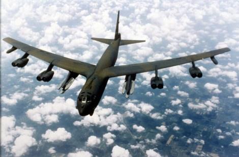 El B-52 Stratofortress es un bombardero estratégico subsónico de largo alcance, propulsado por motores de reacción, fabricado por la compañía estadounidense Boeing y que está en servicio en la Fuerza Aérea de los Estados Unidos (USAF) desde 1955.