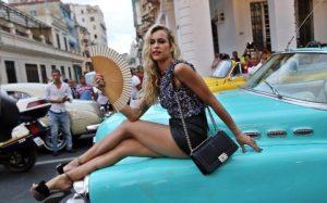 Chanel Almendron azul
